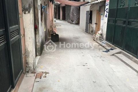 Cho thuê nhà riêng mặt ngõ phố Hoa Lư - Vân Hồ, 50m2 x 4.5 tầng gồm 1 phòng khách, 1 phòng bếp