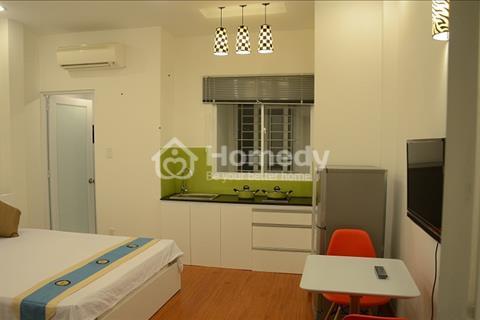 Cho thuê căn hộ full nội thất gần cầu Nguyễn Văn Cừ, quận 5