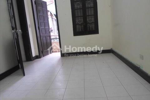 Cho thuê nhà mặt ngõ ô tô phố Thái Hà, 55m2 x 4 tầng, gồm 1 phòng khách, 1 phòng bếp, 5 phòng ngủ