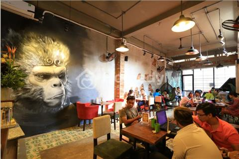 Sang quán cà phê đông khách ngay mặt tiền đường Lê Văn Sỹ tấp nập