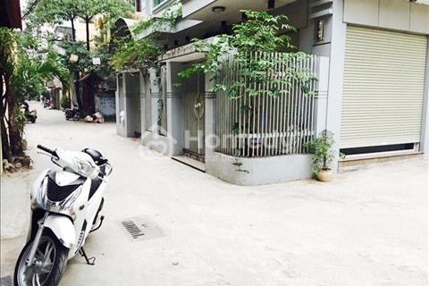 Cho thuê nhà 4 tầng ngõ ô tô rộng Giải Phóng, Hà Nội, 16,5 triệu/tháng