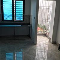 Chính chủ cho thuê chung cư mini 30m2 đủ đồ phố Giáp Nhất cách Ngã Tư Sở 300m, gần Royal City