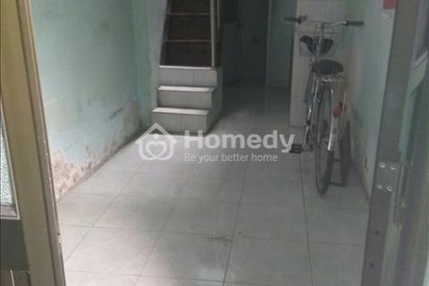 Bán nhà gấp, có sổ hồng riêng, ngay chợ Phú Định, Hậu Giang, trung tâm Quận 6
