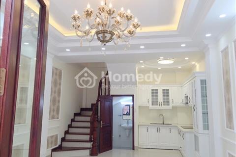 Bán nhà 5 tầng mới xây, giá 2,5 tỷ, đường Bát Khối, quận Long Biên, diện tích 34m2