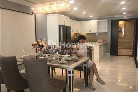 Bán căn hộ 3 phòng ngủ, chung cư cao cấp đường Đặng Thai Mai, Tây Hồ