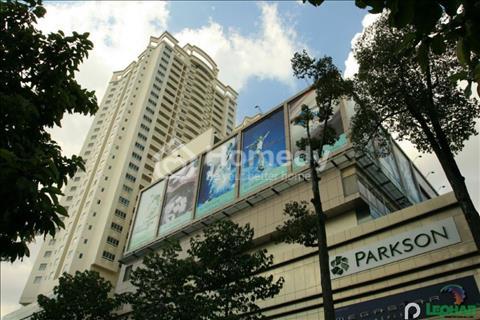 Cho thuê căn hộ cao cấp Hùng Vương Plaza, quận 5, diện tích 130m2, 3 phòng ngủ, giá 20 triệu/tháng