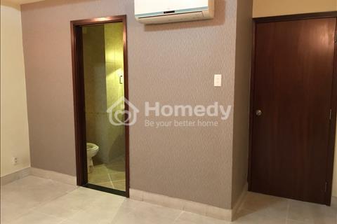Cần cho thuê gấp căn hộ Hùng Vương Plaza quận 5 đường mặt tiền Hồng Bàng 130m2