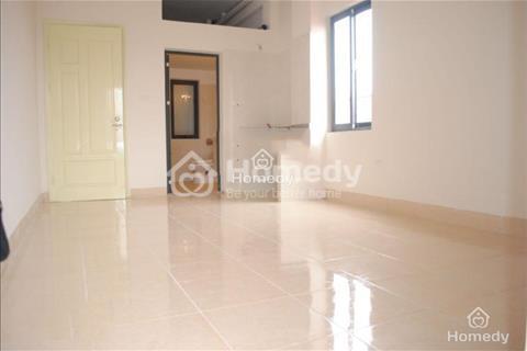 Cho thuê văn phòng nguyên sàn lầu 2 nhà mặt tiền, diện tích 72m2, trung tâm quận 1, 15 triệu/tháng