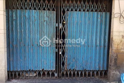 Nhà tập thể cũ mặt tiền đường Nguyễn Văn Thủ, phường Đa Kao, Quận 1