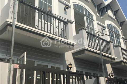 Nhà mới quận 12, ngay Ủy ban phường Thạnh Lộc, 1 lầu đúc, 2 toilet