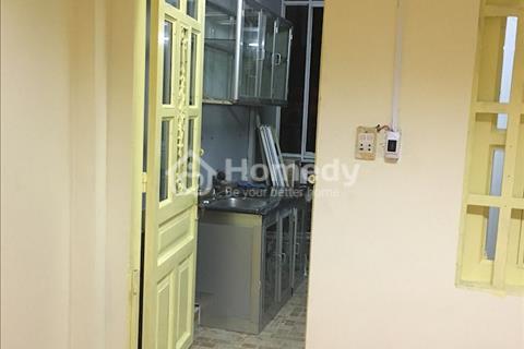 Cho thuê phòng có bếp nấu ăn, toilet, tủ lạnh, máy giặt, có sân phơi quần áo, phòng ngủ riêng biệt