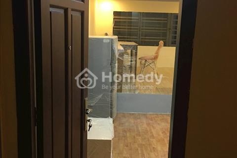 Phòng mới, cho thuê, có ban công, máy lạnh, tủ lạnh, ban công, rộng 30m2
