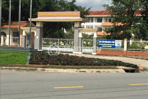 Hai kiots ( không bán lẻ ) ngay trung tâm Thủ Thừa