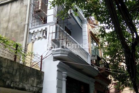 Cho thuê nhà riêng mặt bằng 51m2, 3 tầng, đường rộng ô tô đỗ trước cửa, xe 4 - 5 chỗ vào nhà