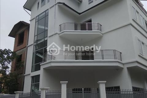 Cho thuê biệt thự căn góc tại khu đô thị Trung Yên làm văn phòng