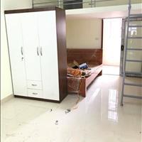 Chính chủ cho thuê phòng khép đầy đủ điều hòa, giường tủ, gác xép, 45m2 đường Trung Văn