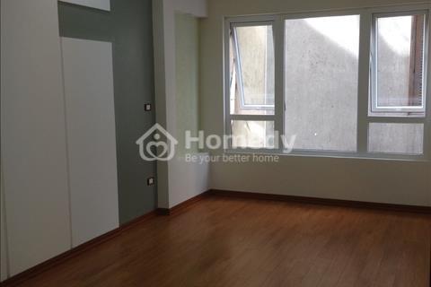 Chính chủ cho thuê căn hộ tập thể 2 phòng ngủ đẹp tại Kim Mã