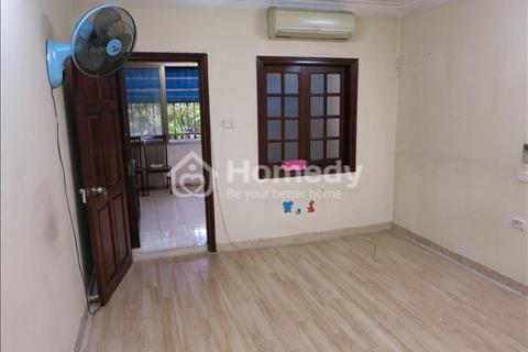 Cho thuê nhà tập thể đủ đồ ở Nghĩa Tân, giá 5 triệu/tháng