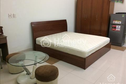 Cho thuê nhà 190D Hai Bà Trưng gần Điện Biên Phủ, diện tích 6x26m, 3 lầu, sân thượng