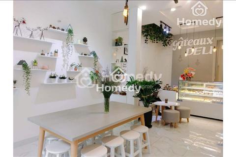 Cho thuê khách sạn mặt tiền đường Bùi Viện, quận 1, 29 phòng