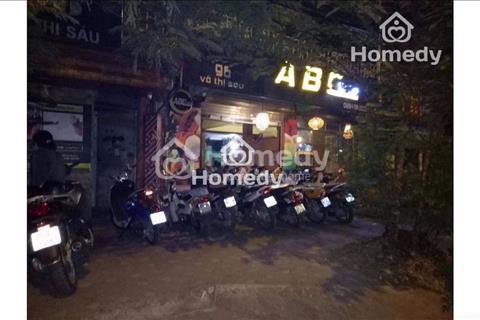 Cho thuê nhà mặt phố Nguyễn Thái Học, diện tích 50m2 x 2 tầng