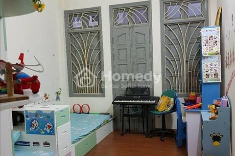 Gia đình cần bán nhà Thụy Khuê gần Văn Cao, diện tích 40m2, 5 tầng, giá 3.7 tỷ