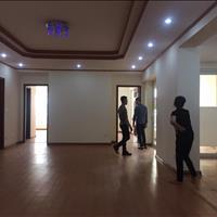 Cho thuê chung cư N05 Trần Duy Hưng, 162m2, cơ bản, phòng khách rộng hơn 40m2
