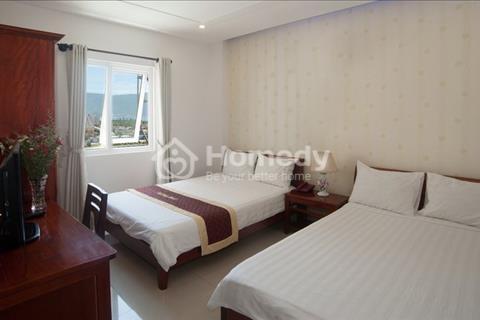 Cần bán hoặc cho thuê khách sạn gần biển 18 phòng kinh doanh tốt