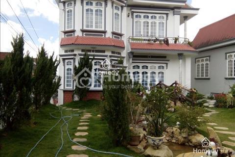 Cần bán 2 căn villa hotel 18 phòng có sân vườn đẹp, sang trọng, giá rẻ tại Đà Lạt
