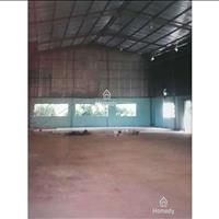 Cho thuê gấp nhà xưởng, vị trí mặt tiền đường Hòa Bình, Tân Phú, thuận tiện sản xuất kinh doanh