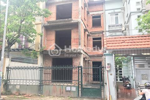 Cần bán gấp biệt thự khu N03 Sài Đồng gần Harmony, xây 3 tầng, vị trí đẹp