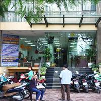 Cho thuê nhà mặt phố Ô Chợ Dừa, 70m2, 3 tầng, mặt tiền 4,5m, giá 65 triệu/tháng