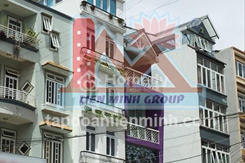 Khách sạn đẹp mặt tiền đường nhựa khu quy hoạch Hoàng Văn Thụ, phường 4, Đà Lạt cần bán gấp