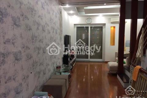 Chính chủ bán nhà mặt phố Võng Thị, Tây Hồ, diện tích 65m2, 5 tầng, mặt tiền 5m