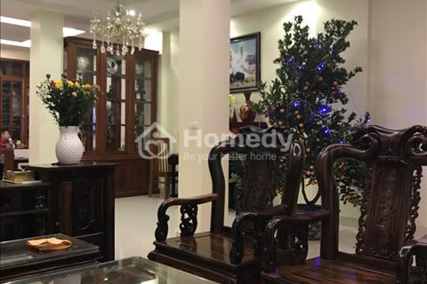 Chủ nhà cần bán ngay liền kề đẹp 4 tầng đủ nội thất ở Tam Trinh