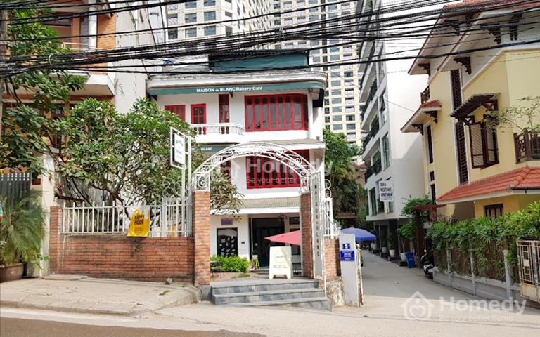 Cho thuê lại tiệm bánh mì mặt phố ngay chân chung cư somerset Xuân Diệu, Tây Hồ