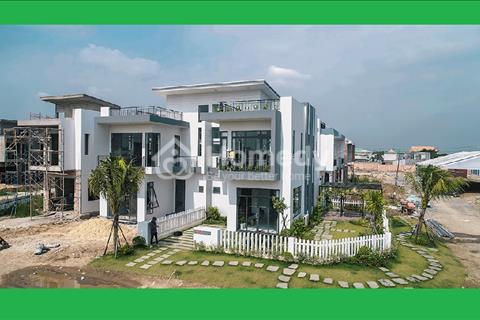 Định cư nước ngoài bán căn biệt thự mặt tiền Quốc lộ 1A gần chợ Bình Chánh, 8x15m, 2 lầu, 2,2 tỷ