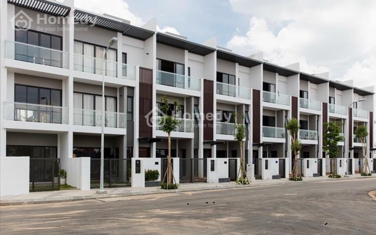 Nhà phố Bình Chánh - Mặt tiền đường quốc lộ 1A, sổ hồng riêng, 1 trệt 2 lầu