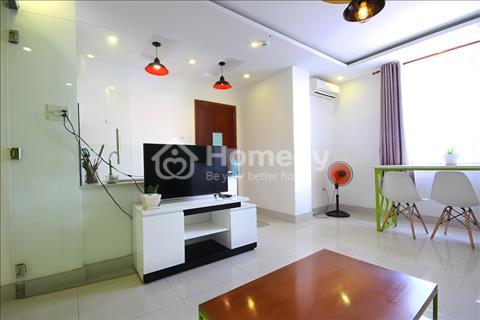 Cho thuê căn chung cư 1 phòng ngủ view thành phố, 2 cửa sổ 1 ban công ngay cầu Nguyễn Văn Cừ
