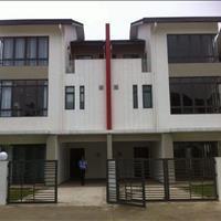 Biệt thự quốc lộ 1A, Bình Chánh, 8x20m, 1 trệt 2 lầu, 4 phòng ngủ, giá 2 tỷ