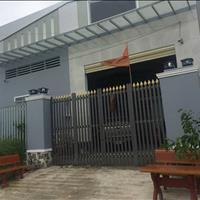 Cần tiền bán gấp căn nhà xưởng gần khu công nghiệp Lê Minh Xuân III, sổ hồng riêng, đường nhựa 16m