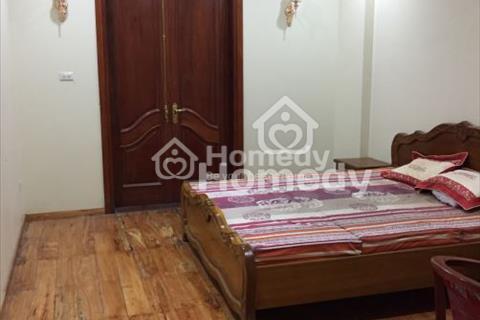 Cho thuê nhà mặt phố Ngọc Lâm, diện tích 35m2 x 4,5 tầng, mặt tiền 4,2m, thông sàn