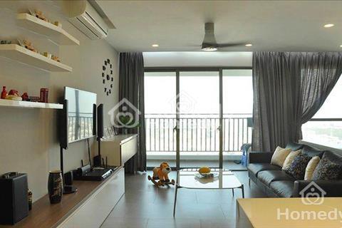 Gia đình cho thuê căn hộ chung cư Diamond Flower tầng 22, 126m2, 3 phòng ngủ, nội thất đẹp
