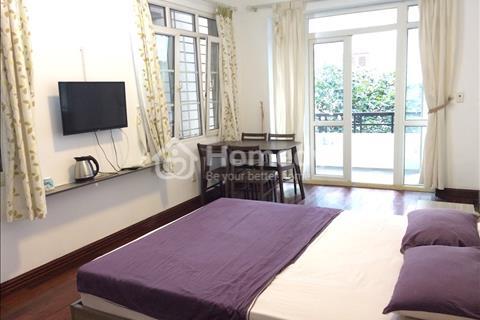 Cho thuê chung cư đủ đồ 1 phòng ngủ, khu Trần Thái Tông, Duy Tân, gần học viện Báo Chí
