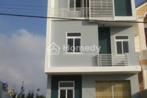 Cần bán gấp nhà phố 3 tầng 1 trệt tại thị trấn Nhà Bè nội thất cơ bản 50m2 - Giá 1,665 tỷ