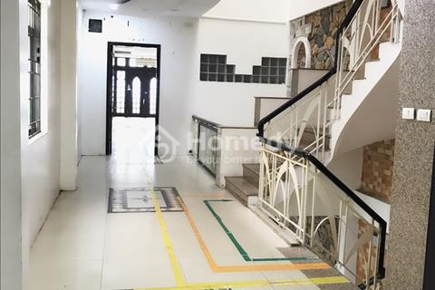 Cho thuê văn phòng giá rẻ mặt phố Nguyễn Thái Học, quận Đống Đa
