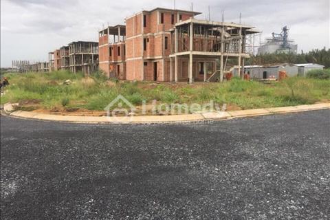 Bến Lức, nhà mặt tiền đường 1 trệt 2 lầu giá 2,5 tỷ thanh toán 30% nhận nhà