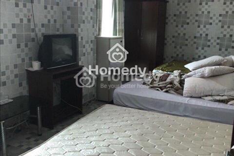 Xuất ngoại cho thuê khách sạn 10x20m, 7 lầu, 39 phòng, mặt tiền Nguyễn Du