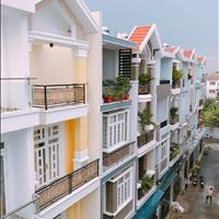 Nhà phố 1 trệt 3 lầu, trung tâm quận Thủ Đức, cách sân bay Tân Sơn Nhất 15 phút, giá 4,5 tỷ/căn