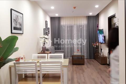 Cho thuê căn hộ chung cư Hòa Bình Green City 70m2, 2 phòng ngủ, 2WC, đủ đồ, giá 12 triệu/tháng